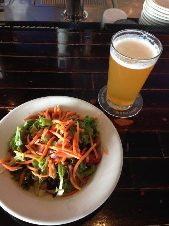 Blue Moon Pizza Windy Hill: Salad & Ale