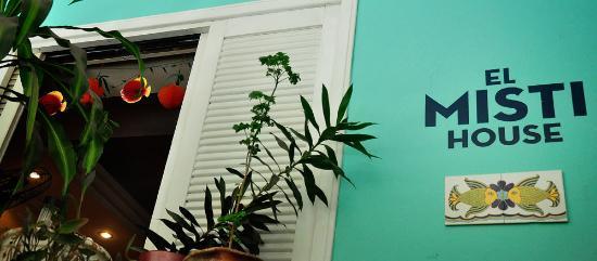 El Misti House: Exterior