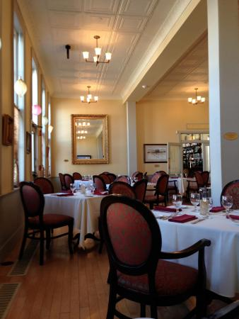 The Windsor Hotel Dining Room: Fine Dining
