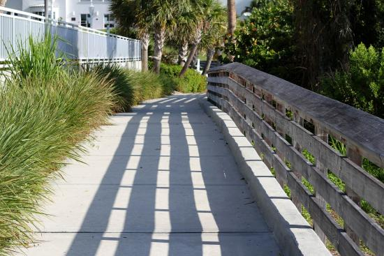 Jensen Beach, FL: Walkway along the River