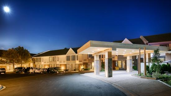BEST WESTERN PLUS Brampton