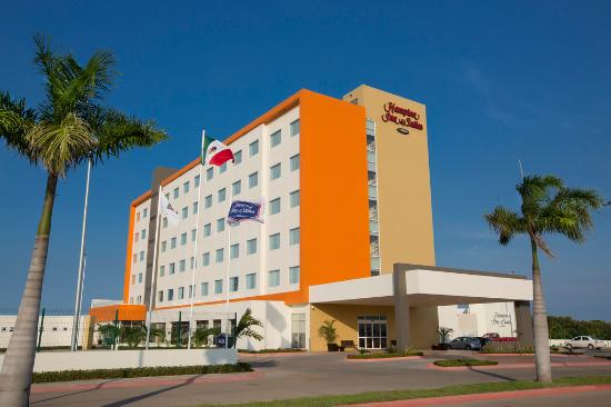Hampton Inn & Suites by Hilton Paraiso