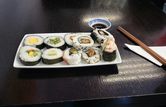 Sushi Salad Noodle Bar: IMG_20160314_180341_large.jpg