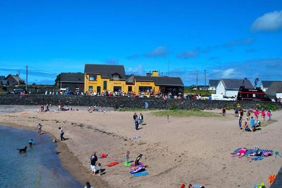 The Coastguard House Tigh T P Ballydavid Irland Omd Men Och Prisj Mf Relse Tripadvisor