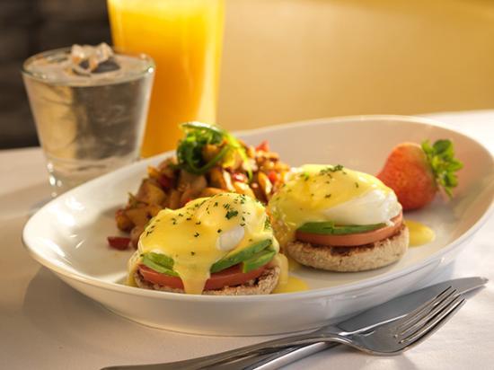 Rockford Restaurant: Eggs Benedict
