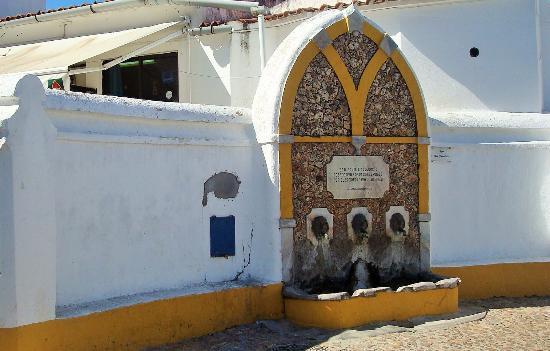 Fonte da Cruz (Viana do Alentejo)