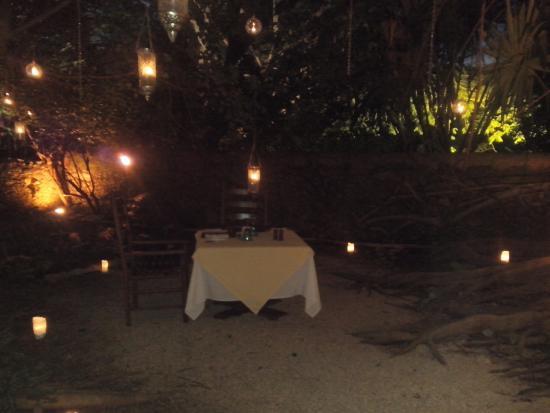 Montaje de cena romantica a la luz de las velas picture of hacienda san jose a luxury - Cena romantica con velas ...