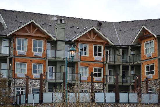 Courtenay, Canada: The east side or water side of the building
