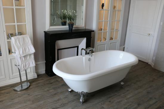 La Celle-Guenand, Франция: Private Bathroom