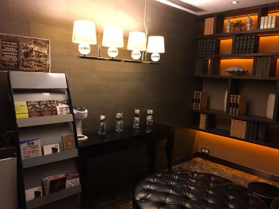 九龍王子酒店: 一樓大廳