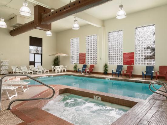 Travelodge Edmonton South Updated 2018 Hotel Reviews Price Comparison And 71 Photos Canada