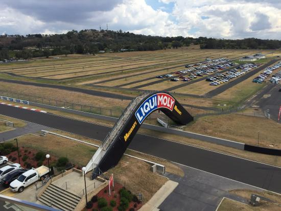 end of conrod straight picture of rydges mount panorama bathurst rh tripadvisor in