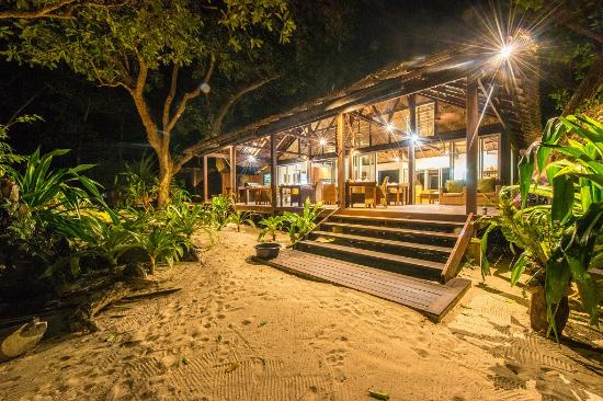 Barrier Beach Resort: Our Restaurant is right on the Sand