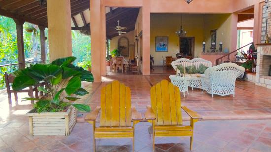 La Villa de Soledad B&B: No walls needed, the climate is perfect to have everything open