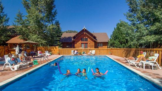 Rams Horn Village Resort: Heated Pool