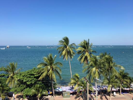 باي ووك ريزيدنس باتايا باي ثاويوات: 屋上からの景色です。