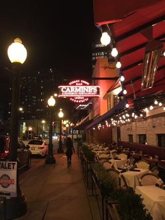 Carmine S Restaurant Chicago Illinois