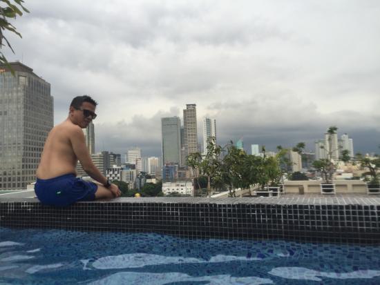 ditepi kolam renang takes mansion picture of takes mansion hotel rh tripadvisor com