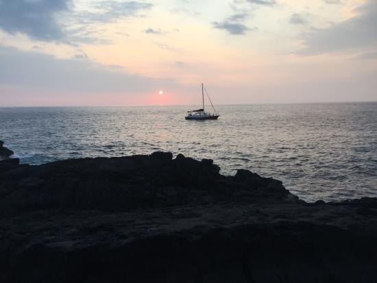 Beach - Sheraton Kona Resort & Spa at Keauhou Bay Photo