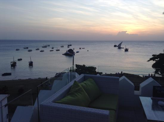 6 Degrees South Grill And Wine Bar Sit Back And Relax In The Beautiful Zanzibar