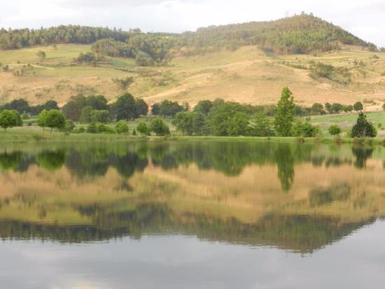 Dullstroom, Sydafrika: View of one of the dams at Walkersons