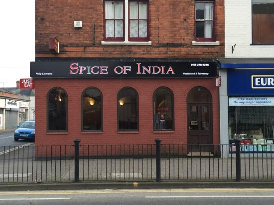 Wigston, UK: The new look of spice of India