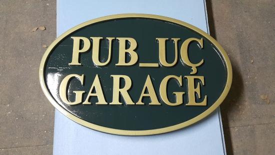 Pub_uc Garage