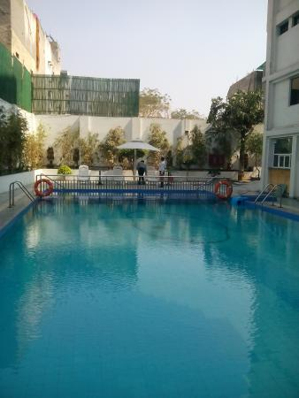 Vibe By The LaLiT Traveller: swimming pool