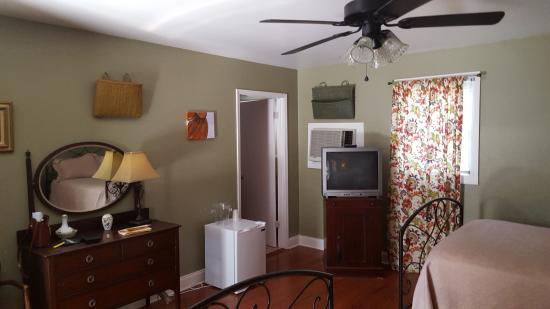 St Francisville Inn La Chambre à Rustique Mais Très Propre Mobilier