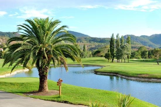 Riviera golf de Barbossi: Vue du restaurant sur le golf
