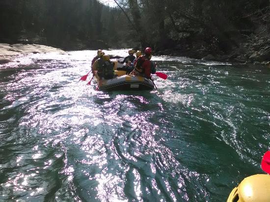 Giornata perfetta per fare rafting foto di rafting h2o - Rafting bagni di lucca ...