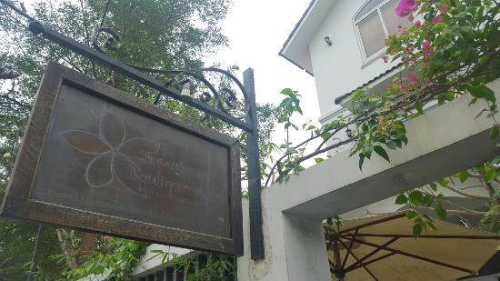 프랜지파니 부티크 호텔