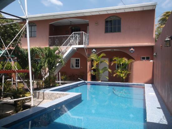 Hotel dalinky desde rivas nicaragua for Piscina rivas