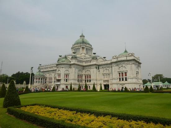 Istana Ananta Samakhom Throne Hall - Picture of Ananta Samakhom Throne Hall, ...