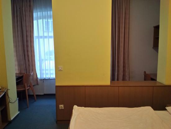 Youth Hostel Uni Hotel: Attenzione. Non tutte le camere hanno questa conformazione.