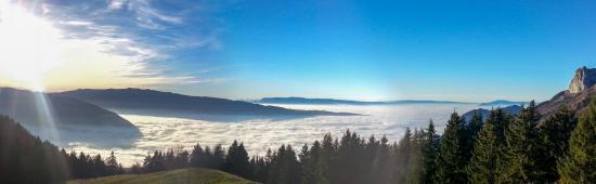 La Chavane du Plan : Mer de nuages au-dessus du lac d'Annecy