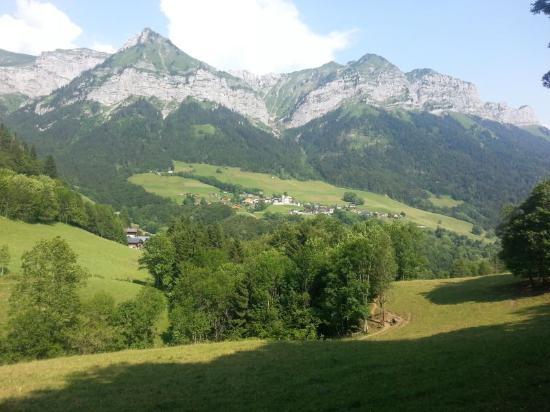 La Chavane du Plan : Le village de Montmin