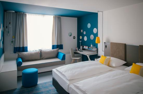 landsberg am lech chat rooms Hotels in landsberg am lech book reservations for the room and bath are spacious and provide chat live or call 1-800-454-3743 any time for help.