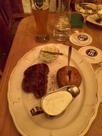 Zirbel Stube: Steak