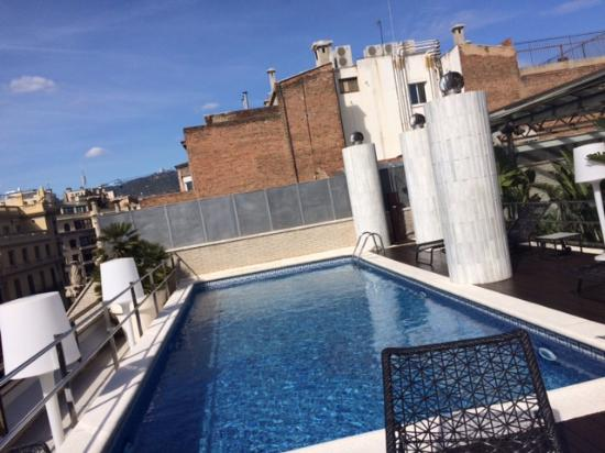 Claris Hotel: Rooftop pool