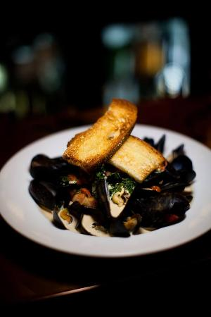 3rd & Ferry Fish Market: PEI Mussels