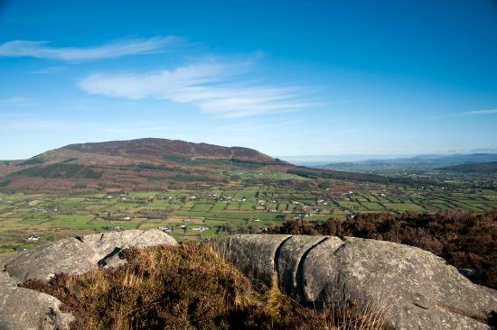 Little Trouble in Big America - Página 3 Slieve-gullion-from-the