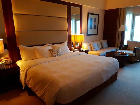 Danat Jebel Dhanna Resort