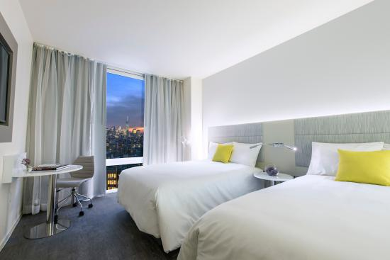 Innside New York Double Bed Room with a  Downtown View