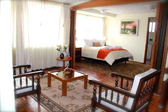 Papucho's Guest House