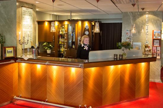 Behrn Hotell: Reception