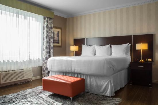 Quality Hotel And Suites Oakville