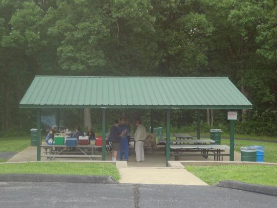 Wentzville, MO: Quail Ridge Park Picnic Shelter with Convenient Parking. Lovely Wooded Area Behind The Walking P