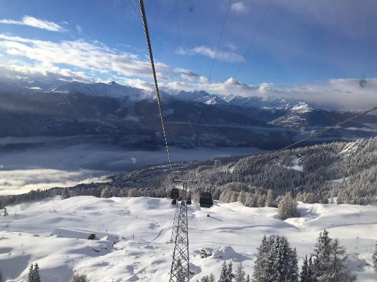 Crans-Montana, Suisse : Going up to Cry d'Err