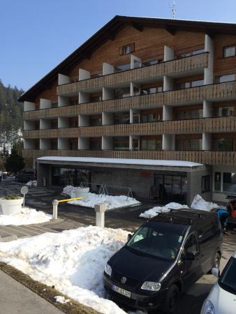 signinahotel: Hotel entrance